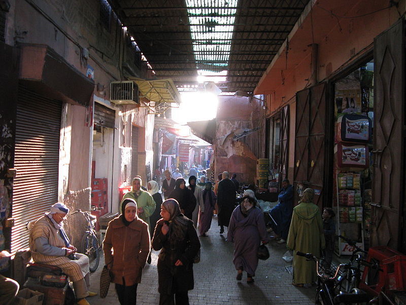 16_Wikicommons_Souk_Marrakech_Michael_Day.jpg
